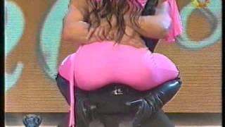 Adabel Guerrero en calzas rosas