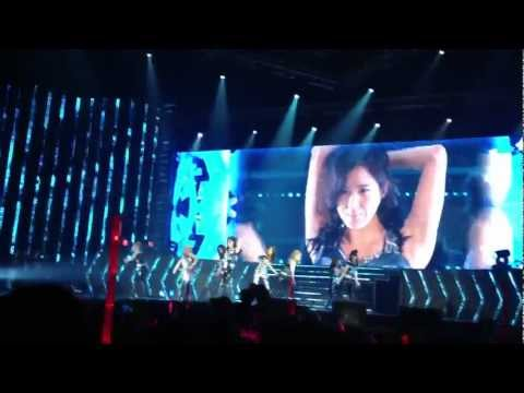 [Fancam HD] Mr.Taxi Part 1 Girls' Generation Tour In Bangkok 2012