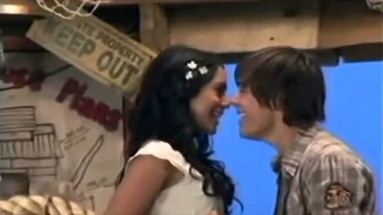 Zac Efron and Vanessa Hudgens have yet to reveal if they will soon be filming together for the fourth installment of the High School Musical movie series so fans of the former pair should