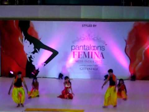 Shakti Mohan Performing For Pantaloons Femina Event-act 2 video