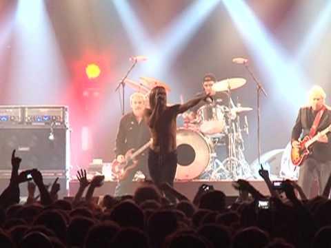 'godfather of punk' iggy pop rocks french festival youtube