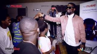 Sarkodie Hangs Out With Fans #NewGuy