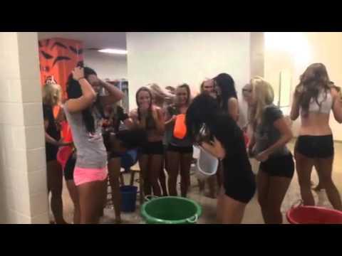 Cincinnati Ben-gals accept ALS ice bucket challenge