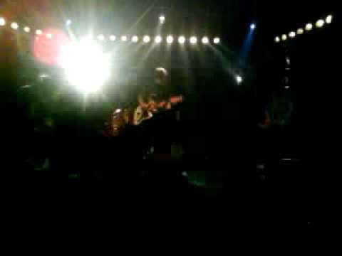 El himno de la bala triangulo de amor bizarro sala 600 for Sala 600 melide