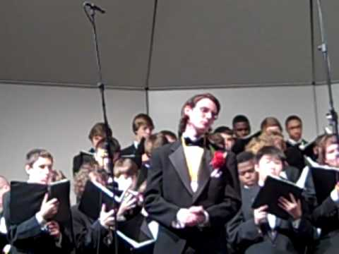 Archbishop Curley High Schoolchoir sings 'You raise me up'