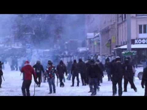 Raw: 3 Reported Dead in Ukraine Clashes