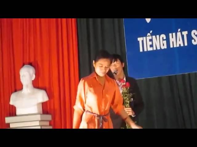 Em trai Quang Le