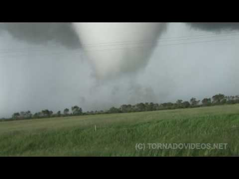 HIGH DEFINITION HUGE MANITOBA TORNADO! June 23, 2007 -