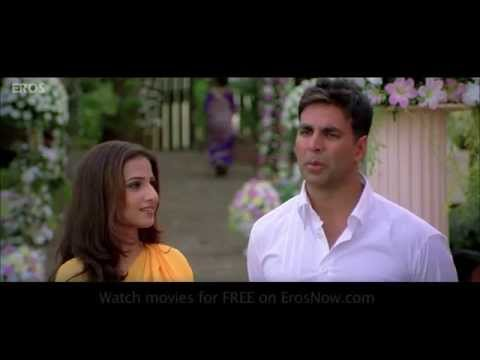 Akshay Kumar Puts On A Fake Act | Heyy Babyy
