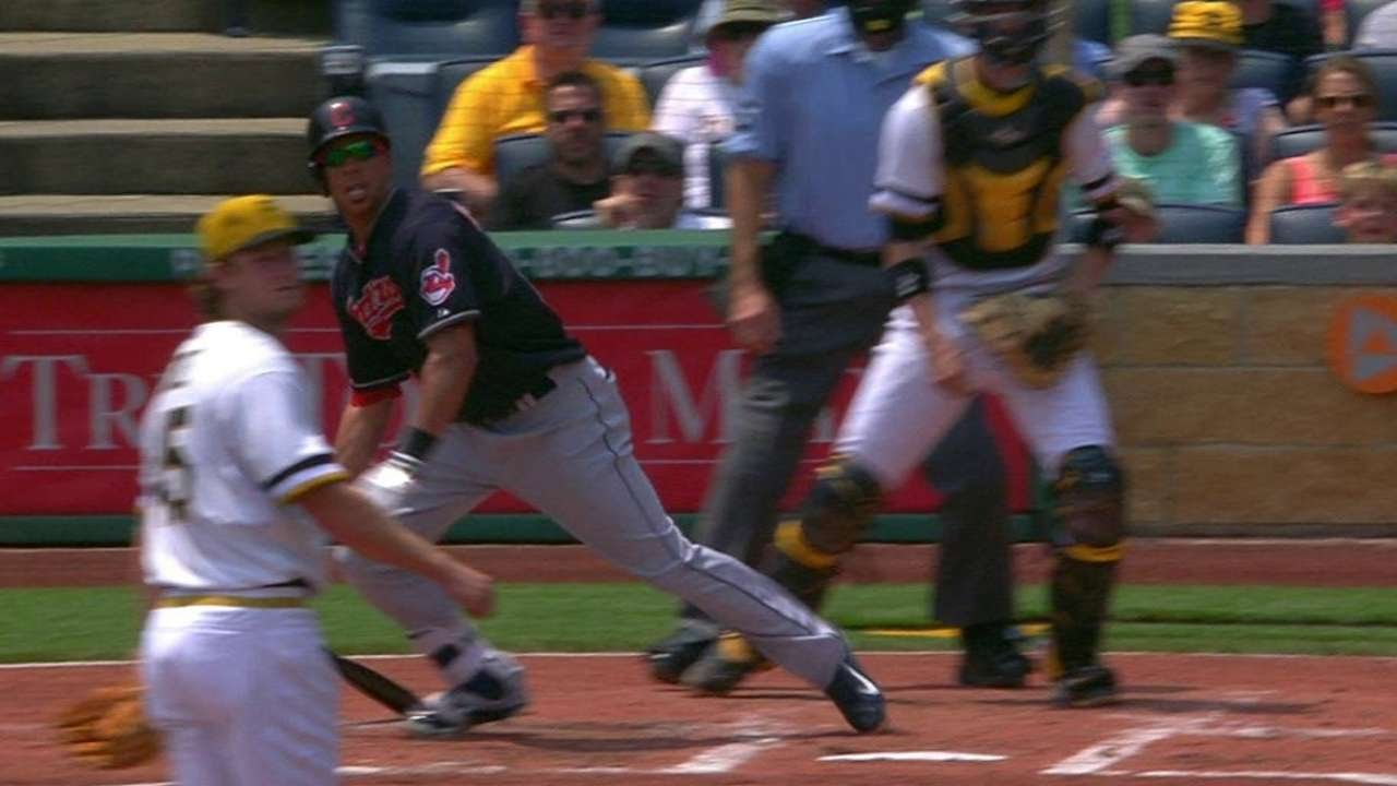 CLE@PIT: Brantley brings home Kipnis with RBI single