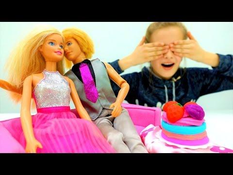 Барби готовит сюрприз Кену на День рождения. Мир Барби и игры для девочек с куклами