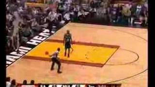 NBA Referee 'Tries' A Behind-The-Back Pass - LMAO