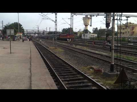 HOWRAH WAP 4 RETURNS TO SEALDAH - ASANSOL INTERCITY AFTER A LONG TIME