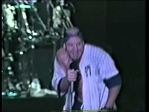 Suicidal Tendencies - I Saw Your Mommy. (Live in Madrid 1993)