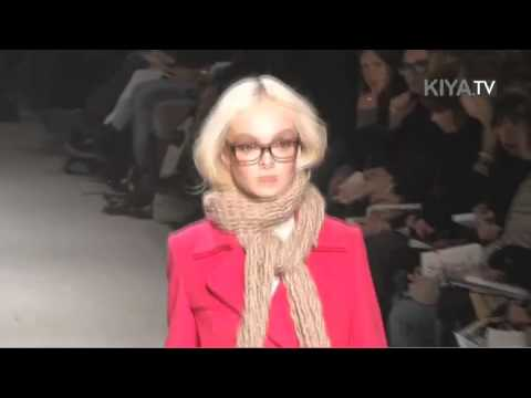 Paul & Joe F/W 2010 - backstage / show - youtube
