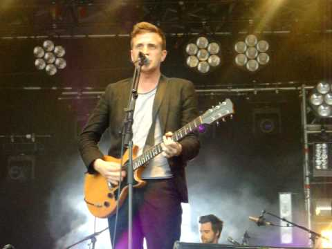 The Futureheads - Meantime (Live)