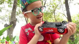 Bé Đức và Su Hào unboxing xe ô tô người nhện đồ chơi trẻ em   Car for kids