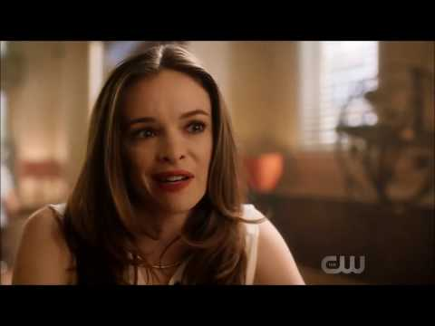 The Flash 5x02 Cisco Vibes Caitlin Father's Death Certificate