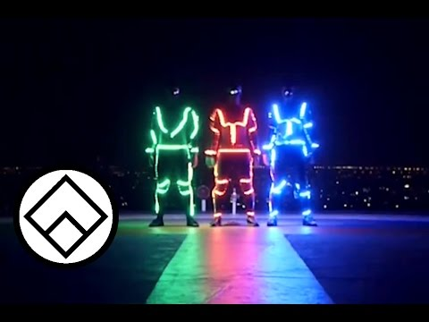 Light Emitting Dudes - LED Freerunning