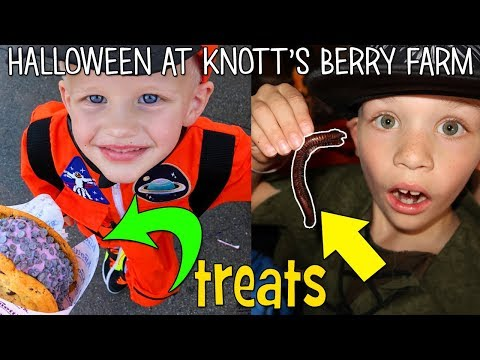Spooky Halloween at Knott's Berry Farm || Family Fun Pack