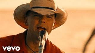 Watch Kenny Chesney When The Sun Goes Down video