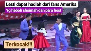 Lesti kasih contoh bernyanyi !!!  Seketika LESTI dapat hadiah dari fans amerika! Amazing