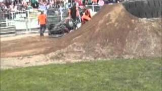 DP Chip Loveday Extreme the pile up.wmv