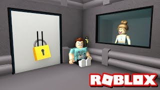 FAN TRAPS ME IN THEIR HOUSE!! | Roblox Flee The Facility