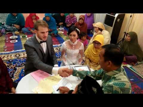 Akad nikah bule bisa lancar bahasa indonesia