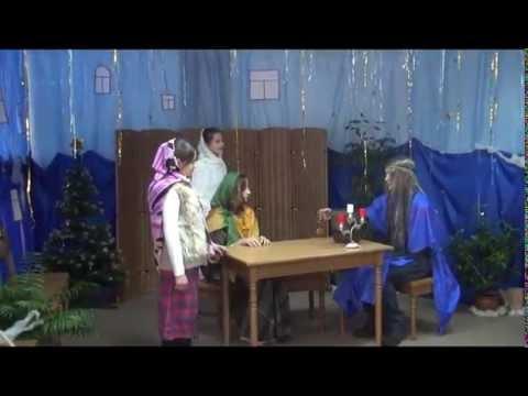 Сценка В гостинице Рождество 2015 старшие дети прихода Санктуария Бога Отца Милосердного