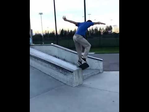Turning and swerving @n_a_t_e_y 🎥: @austintyree_pnw #shralpin | Shralpin Skateboarding