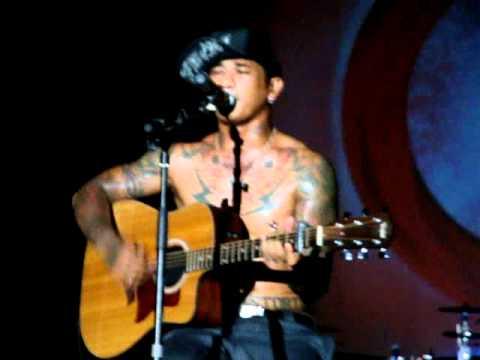 Superman Is Dead (Jerinx) - Memories Of Rose (Acoustic) at Banjarmasin