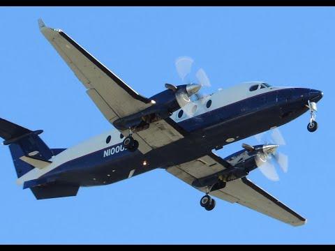 Great Lakes Beechcraft B1900 [N100UX] landing in LAX