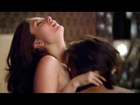 Emraan Hashmi & Kareena Kapoor Hot Bed Scene