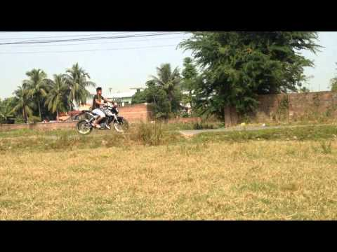 Ktm Duke 200 Wheelie