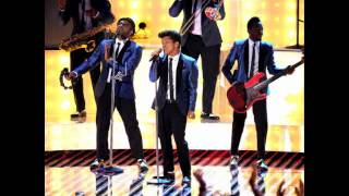 download lagu Bruno Mars- Valerie Mp3 Downloand {live} gratis