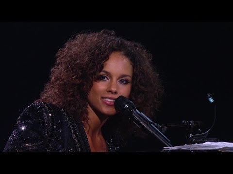 Alicia Keys (Piano & I - AOL Sessions) Live Concert 2011 klip izle
