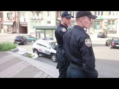 Подросток против 4-х полицейских