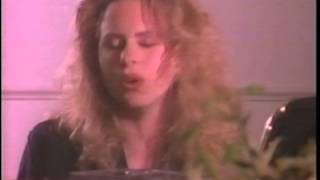 Watch Vonda Shepard Dont Cry Ilene video
