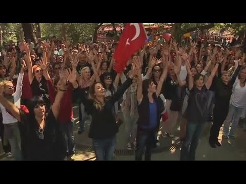 Opera and ballet stars hold dance protest in Ankara, Turkey