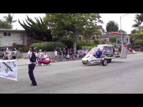 CaraVellair Reverse-Trike Roadable Aircraft in 2012 4th of July Parade