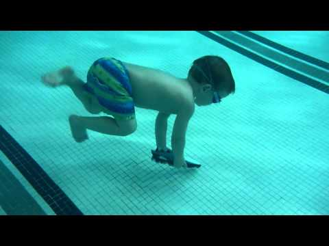 3yo William Diving down to get his 'Toypedo' torpedo