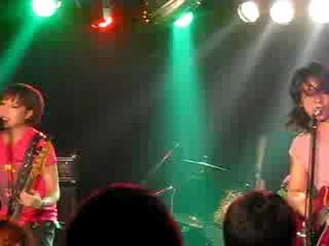 THE BABYS (LIVE) 中古車に愛を乗せて Video