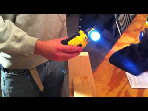 Dewalt 12V MAX LED Worklight Review