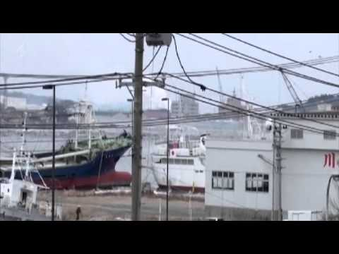 Japan Tsunami Caught On Camera 2x4