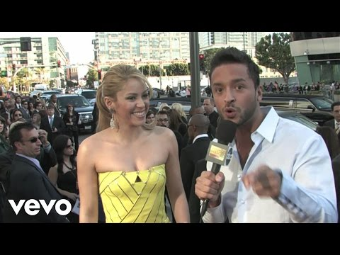 Shakira - 2009 Red Carpet Interview (American Music Awards)
