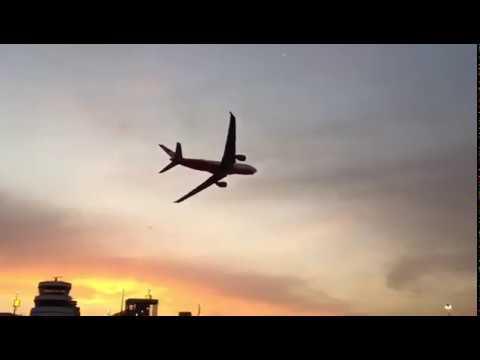 """Der letzte air berlin-Langstreckenflug sagt """"Good bye"""" in Düsseldorf."""
