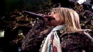 Hilary Duff - What Christmas Should Be Live - Christmas On Rockefeller Center 2004 - HD