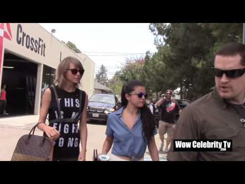 Taylor Swift And Selena Gomez spotted getting lunch in Beverly Hills thumbnail