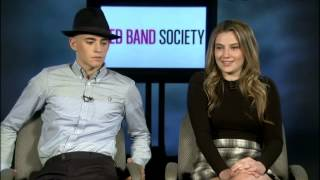 CHARLIE ROWE   ZOE LEVIN ON THE PILOT OF 'RED BAND SOCIETY'